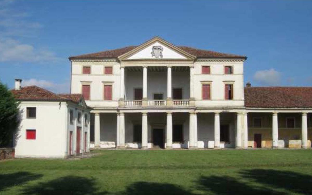Consolidamento Fondazioni della Storica Villa Ferramosca