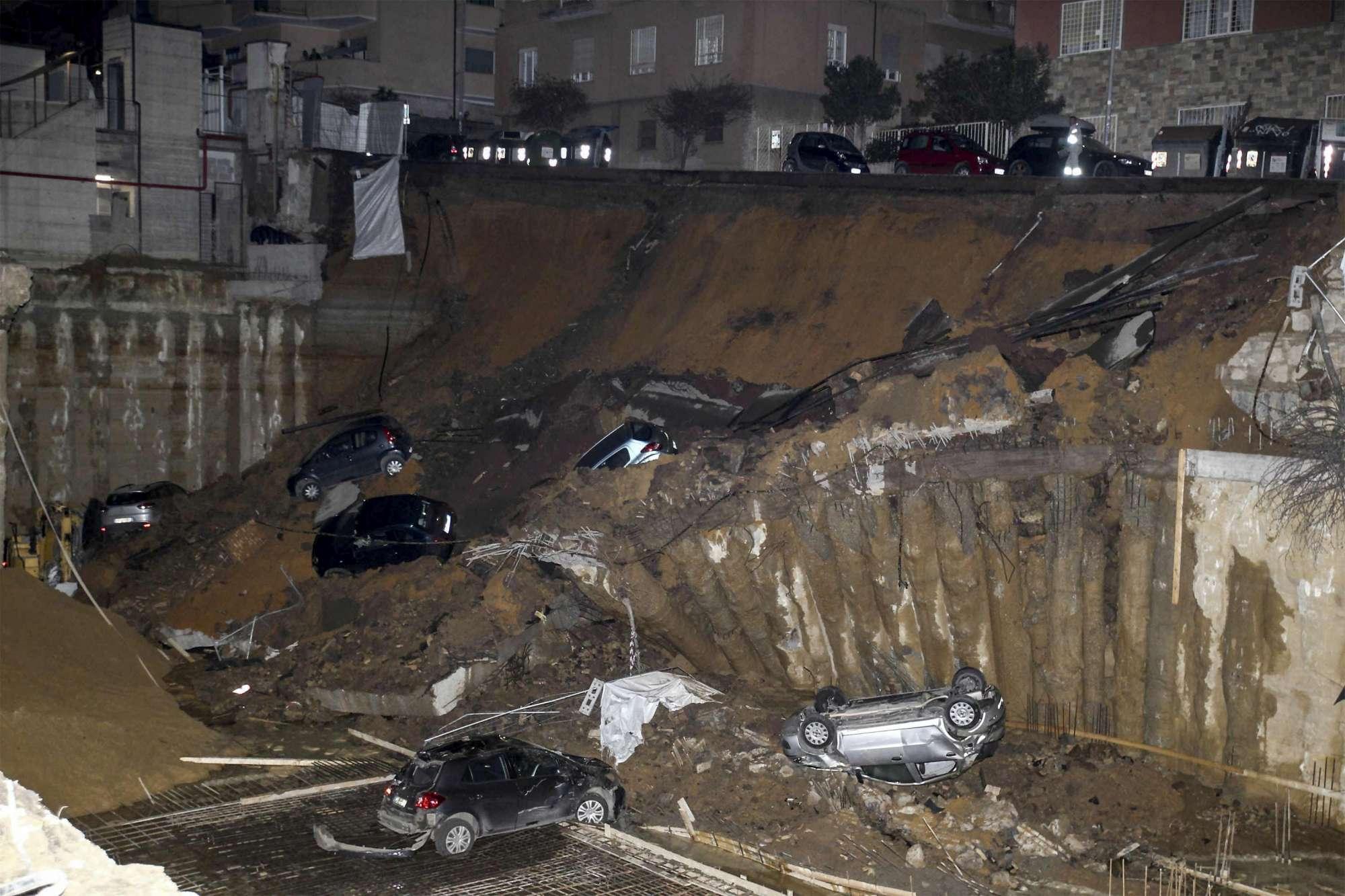 Cedimento del Terreno a Roma, si apre una voragine di 10 m in strada
